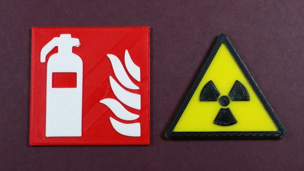 Multicolor 3D Printing - Fire and Warning Signs by Obolski